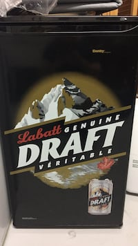 Danby labatt genuine draft refrigerator. Excellent condition! Mississauga, L5N 5V1