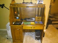 brown wooden desk with hutch Hagerstown, 21742