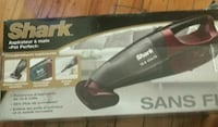 Shark Handheld vacuum cleaner box Montréal, H4P 2A8