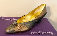NEW women's size 6.5 bronze/turquoise show with accent stones - Brand Margaret Jerrold - in box - paid $120 Palatine, 60074