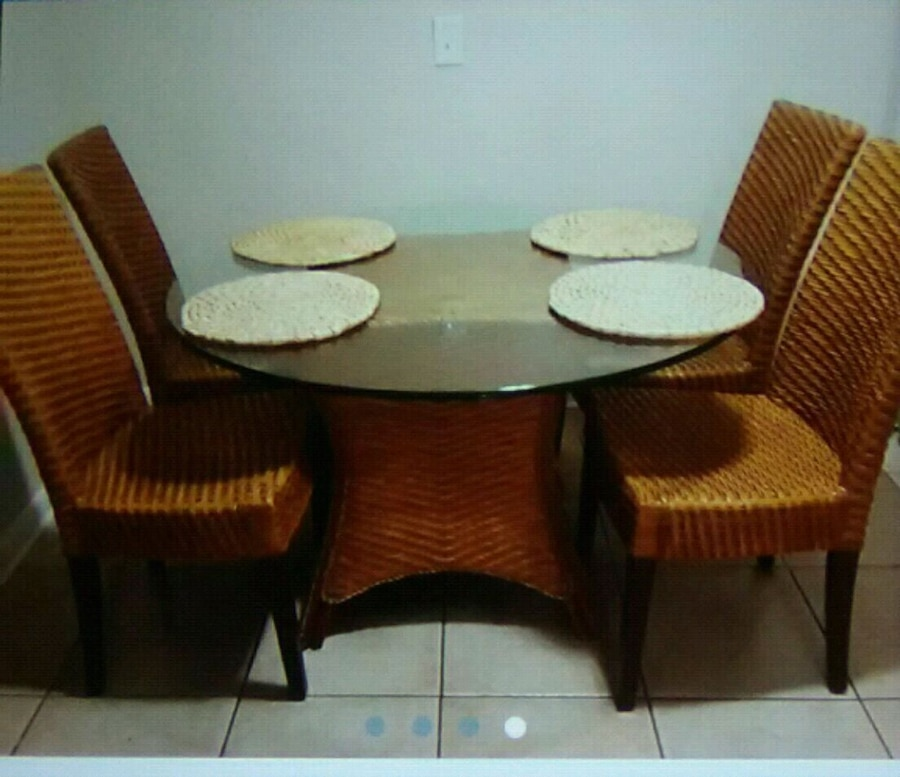 Photo 6 Piece Wicker Dining Room Set from Pier One f/sale Negotiable must pu