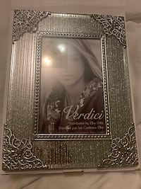 Brand new picture frame Toronto, M5T 2P4