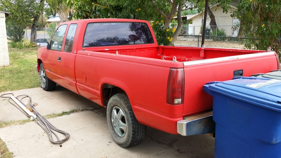 Photo 1989 chevy cheyenne - red extended cab (long bed).