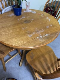 Table with 4 chairs Burnaby, V5A 2R4