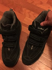 pair of black Nike Air Max shoes Fairfax, 22030