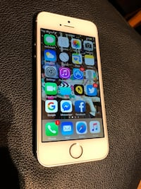 Silver iphone 5s with case Lloydminster (Part), S9V 1E7