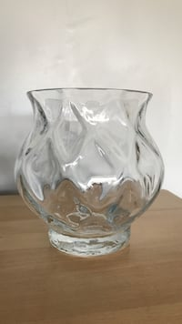 clear glass footed bowl with lid Calgary, T2P 0W6
