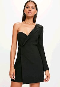 women's black sleeveless dress