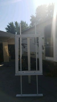 Easel for sale 30 bucks Toronto, M6M 2X8