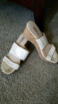 pair of white-and-brown sandals Wildomar, 92595