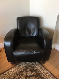 Arm Chair + Free Delivery