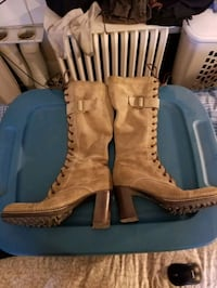 Barneys Boots (Ladies) Toronto, M5M 1S7