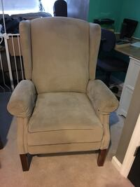 Wingback recliner Sykesville, 21784