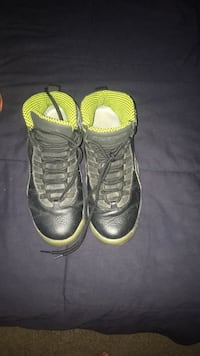 pair of black Air Jordan basketball shoes Portland, 78374