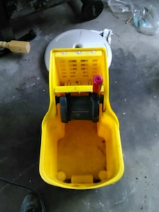 Large commercial mop bucket