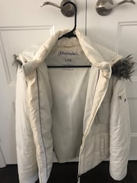 White Aero Postel winter coat 538 km