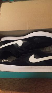 Black-and-white Nike's size 11 new Winnipeg, R2Y 1Z2