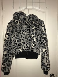 CROPPED FLUFFY CHEETAH JACKET Toronto, M9W 6G6