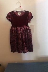 NEW TODDLER SHORT SLEEVE DRESSY DRESS  SIZE 24 months. TAG IS ATTACHED LASVEGAS