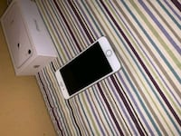 silver iPhone 8 with box 526 km