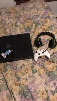 Xbox one with new controller and turtle beach headphones Oaklyn, 08107
