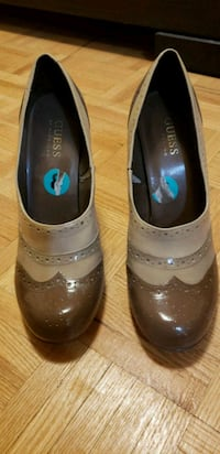 Women's shoes size 8 Toronto, M9A 4W4