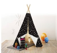 Teepee Glow in the Dark Stars Black - Pillowfort Mc Lean, 22102