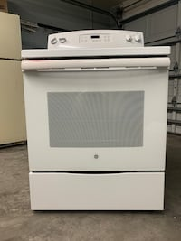 GE oven. Used great condition. 6 months old. Tarpon Springs, 34689