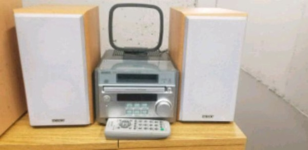 SONY HIFI CD PLAYER SYSTEM LIKE NEW