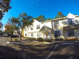 HOUSE For rent 2BR 3BA