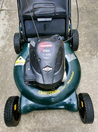 5hp/21 craftsman lawnmower with bagger  Woonsocket, 02895