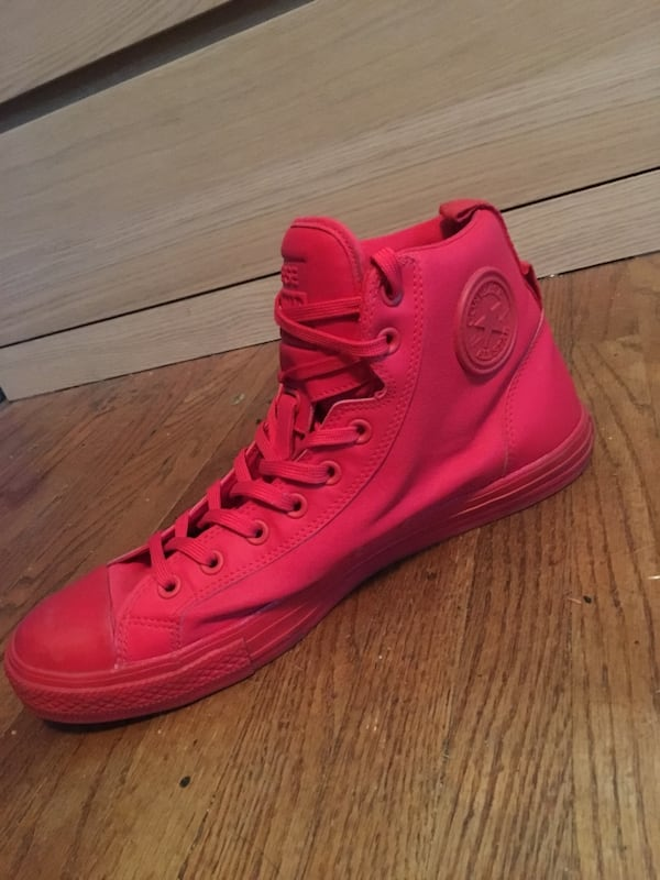 Converse Chuck Taylor Red Hi-Top sneakers size 12 men's! 3