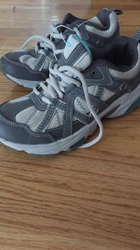 Pair of gray-and-white champion sneakers Cumberland, 02864