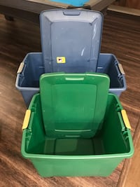 Storage bins with latching lids