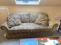 Beautful couch