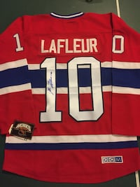 Guy Lafleur signed autograph jersey. Comes with photo of signing.