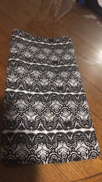 Size 6 skirt lined in excellent condition Harpers Ferry, 25425