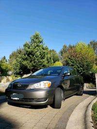 Toyota Corolla 2005 Automatic w new tires Burnaby