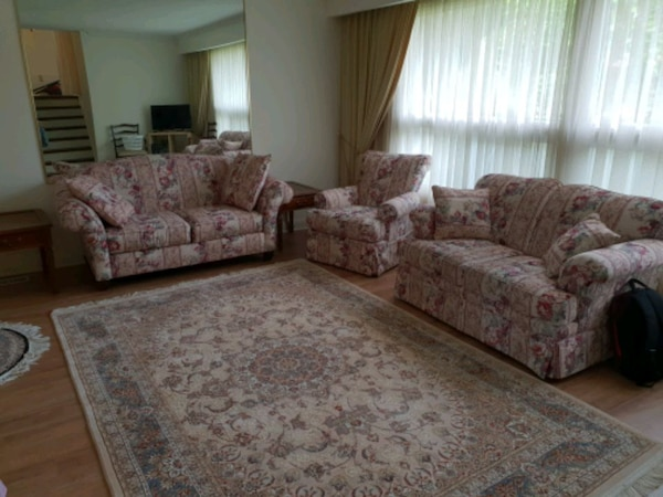 Living room set with delivery fc14681f-6ac0-4365-94d8-6f7166548bc3