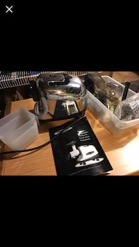 Juicer for fruit and veggies! High Quality! Omega brand Minneapolis, 55414