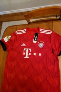 bayern munchen jersey new with tags. mens XL Edmonton, T6J 5M9