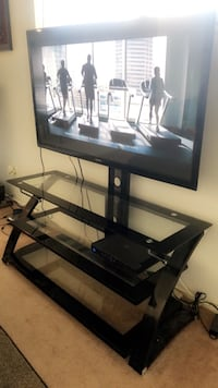 Glass TV stand Sacramento, 95831