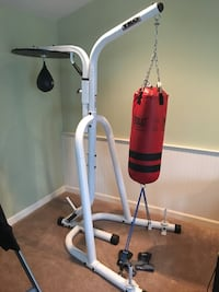 Heavy bag stand with speed bag and gloves  Worcester, 01604