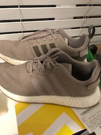 Pair of gray adidas low top sneakers Kelowna, V1Z