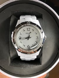 round silver-colored analog watch with link bracelet Montclair, 91763