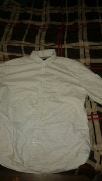 White button up tommy Hilfiger dress shirt Georgina, L4P 2Y7