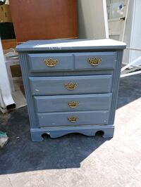 Cute little dresser Gaithersburg, 20877
