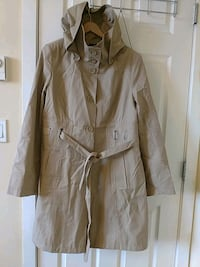 Long Khaki Jacket with hoodie Surrey, V3T 0A9