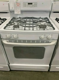 "GE 30"" WHITE NATURAL GAS STOVE $279 #31592 Hempstead, 11550"