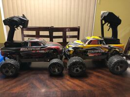 2 Stampede 4x4 VXL Brushless RC Cars